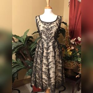 Sleeveless Vintage Lace Dress